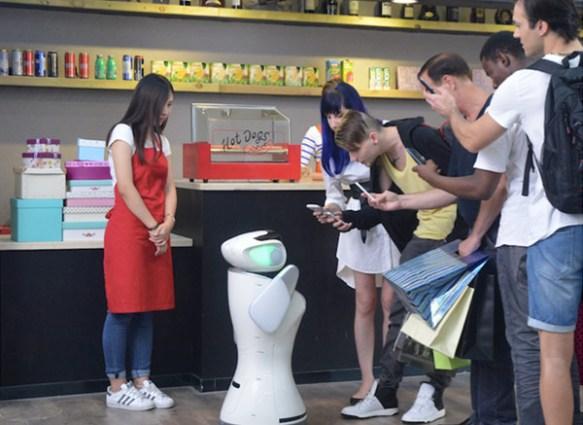 anewtech-sanbot-retail-service-robot